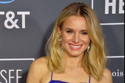 'Veronica Mars': Kristen Bell investigates in new Hulu trailer