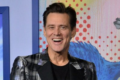 Jim Carrey says he inherited Rodney Dangerfield's pot pipe