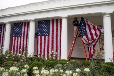 Gallup: Rare majority in U.S. say gov't should do more to solve problems