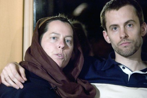 American hikers jailed in Iran call home