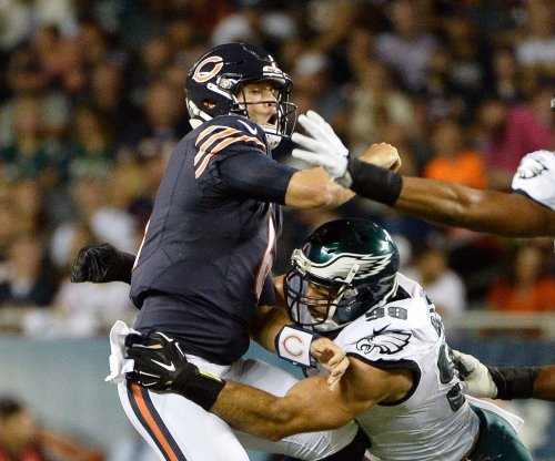 Chiacgo Bears QB Jay Cutler 'concerned' after injuring right thumb