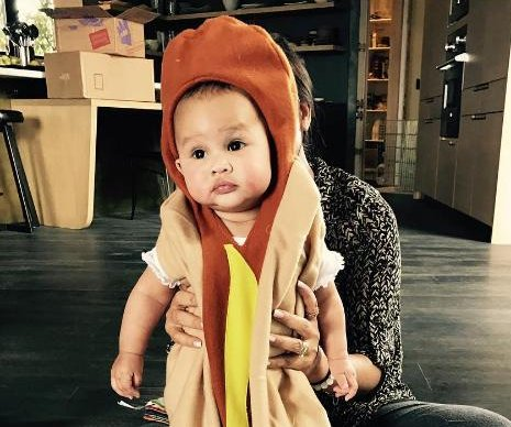 Chrissy Teigen posts daughter's Halloween costumes