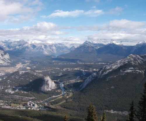 2 U.S. hikers feared dead after avalanche in Canadian park