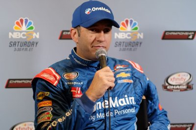 NASCAR preview: Elliott Sadler seeks more playoff points in Xfinity series