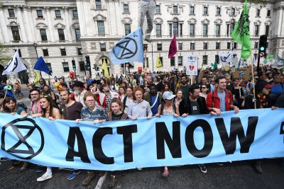 British Parliament declares 'environment and climate emergency'