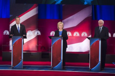 Sanders and Clinton heat up, O'Malley struggles to keep up at debate
