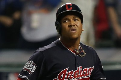 MLB: Jose Ramirez, Cleveland Indians throttle Chicago White Sox