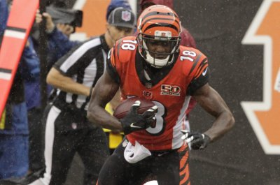Andy Dalton, A.J. Green lift Cincinnati Bengals past Buffalo Bills