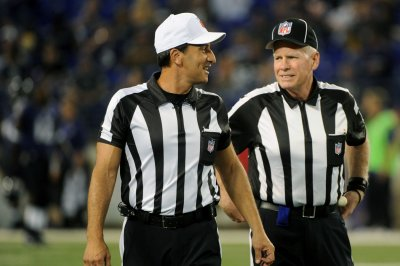 'Index card' NFL referee Gene Steratore retires