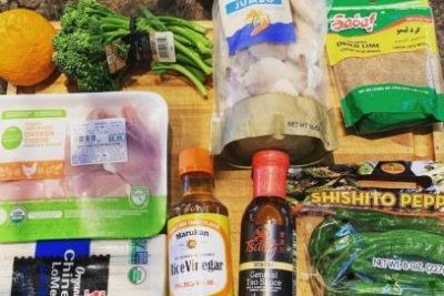 Giants' Evan Longoria cooks three-course meal with fan-selected groceries