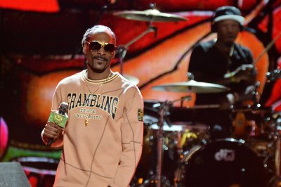 Snoop Dogg's grandson dies at 10 days old