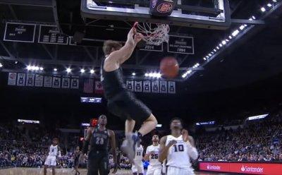Viral dunk star Mac McClung declares for NBA Draft