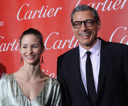 Jeff Goldblum, girlfriend Emilie Livingston are engaged