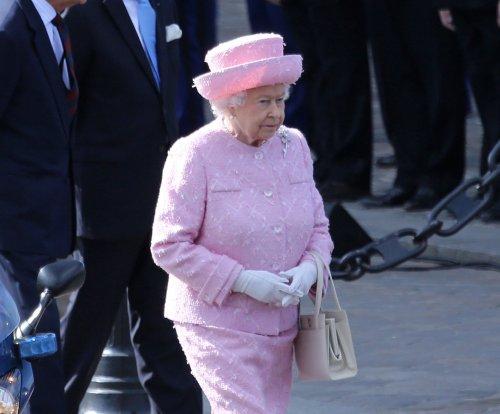 BBC mistakenly tweets that Queen Elizabeth has died