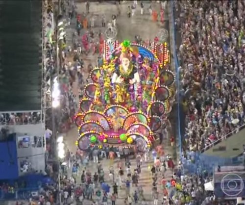 Carnival float in Rio de Janeiro injures 20 people