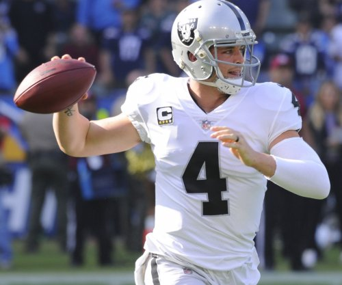 Jack Del Rio's firing catches Derek Carr by surprise