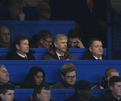 Arsenal manager Wenger called referee a 'disgrace' to get 3-game ban