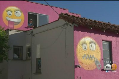 'Emoji House' at the center of neighborhood dispute in California