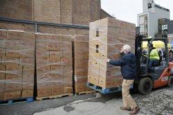 307,000 U.S. jobs were added in November, ADP-Moody's report says