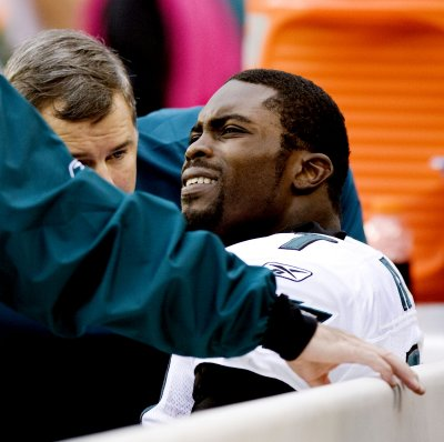 Eagles' Vick day-to-day