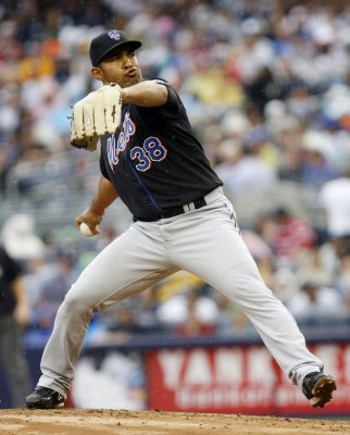 Mets put starting pitcher Nieve on DL