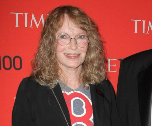 Mia Farrow admonished for posting address of disgraced dentist