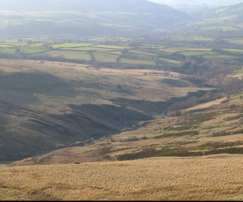 Rescuers searching for 24 teens missing in Wales mountains