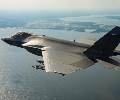 Navy contracts Lockheed for F-35 training personnel, activities