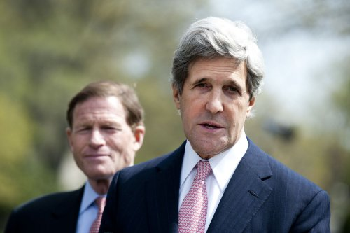 Kerry tabbed as Romney for debate practice