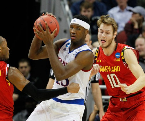 Kansas F Carlton Bragg arrested on domestic battery charge