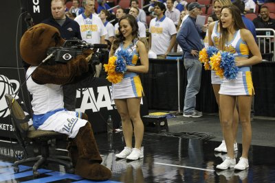 Lonzo Ball leads No. 10 UCLA past Oregon State