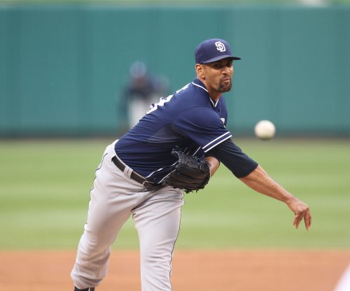 Pitcher Tyson Ross returns in style as Texas Rangers drub Seattle Mariners