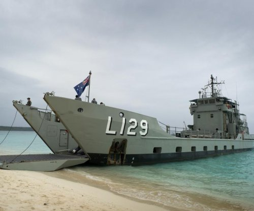 Australia gifts landing craft to Philippines