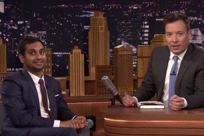 Aziz Ansari reads awkward first texts with Jimmy Fallon