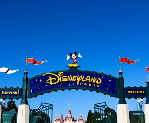 Man with guns arrested near Disneyland Paris entrance
