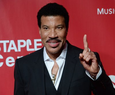 Lionel Richie honored as the 2016 MusiCares Person of the Year
