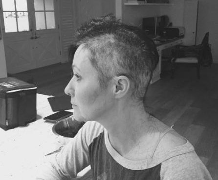 Shannen Doherty fighting cancer, shaves her head