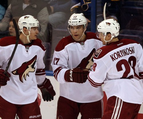 Arizona Coyotes' Radim Vrbata leaves it late vs. Buffalo Sabres