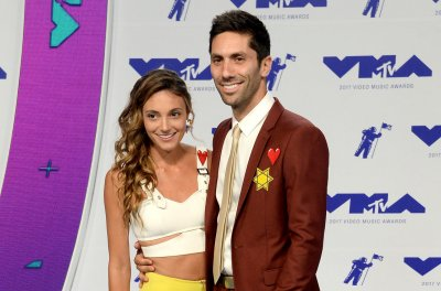 'Catfish' host Nev Schulman, wife expecting second child