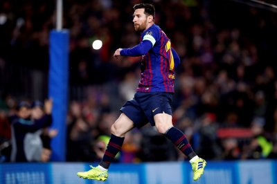 Champions League: Lionel Messi baffles keeper with crafty penalty kick