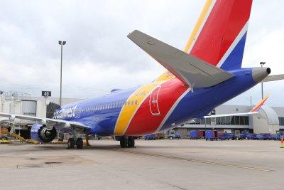 Boeing says it won't seek federal aid after raising $25B