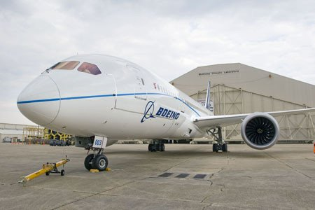 Boeing 787 cleared for further tests