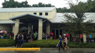 3 Florida schools closed after bomb threats