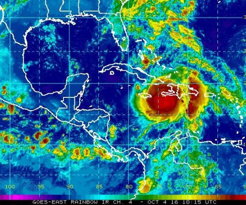 Eye of 'extremely dangerous' Hurricane Matthew strikes Haiti