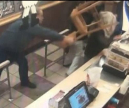Man wielding wooden chair foils armed robbery at Wendy's