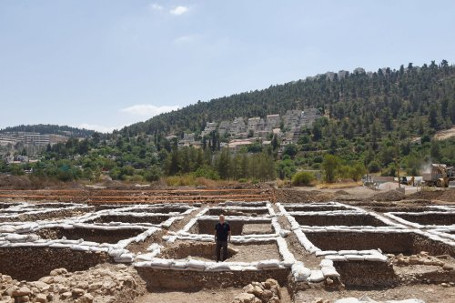 Huge Neolithic settlement unearthed near Jerusalem