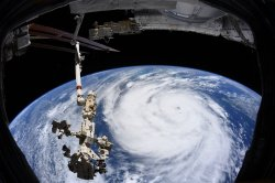 U.S. must prepare now to replace International Space Station, experts urge