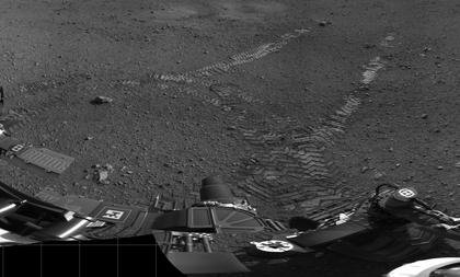 Mars rover completes first test drive
