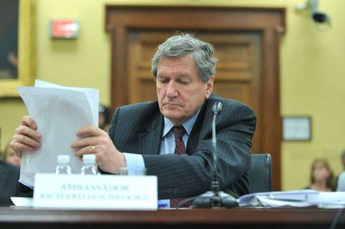 Envoy Holbrooke dead at 69