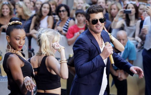 'Blurred Lines' by Robin Thicke tops U.S. album chart